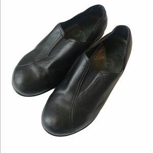Dansko black leather slip-on professional shoes 38